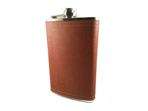 This flask holds 10 oz and features a brushed stainless steel finish wrapped in brown leather, a captive top to prevent loss and durable seamless construction. Specifications Capacity: 10 oz Color: Stainless Steel with Brown Leather Weight (approx): 140 g Size: 16 x 9.5 x 2.5 cm In Gift Box